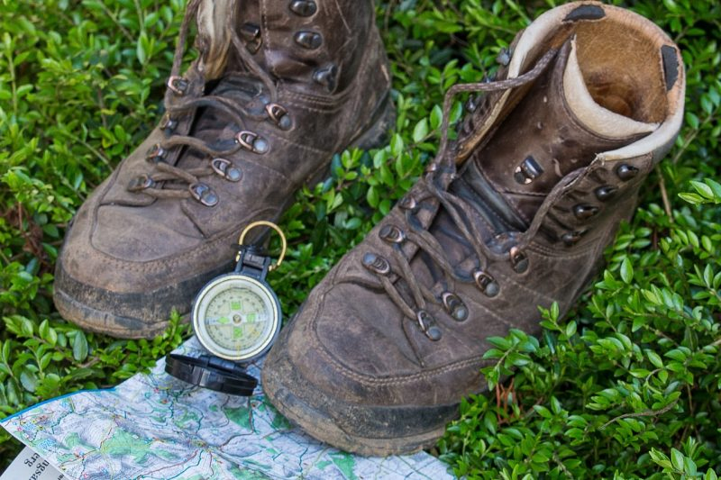 hiking-1316712_1920
